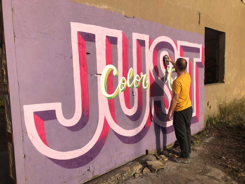 Mural lettering